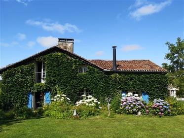 Casa charmosa com piscina no Dordogne