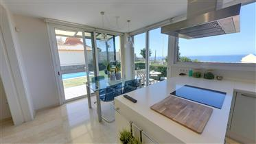 Villa com vista para o mar à venda em Adeje