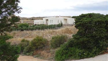 Οικολογική κατοικία με θέα στη θάλασσα πάνω από την Αλυκή στ...