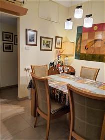 דירה משופצת, מרווחת, מוארת ושקטה, בירושלים