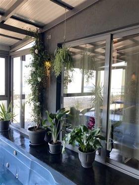 Neubau Bungalow u. Gästehaus mit Innen Spa Bereich  Spektakulärer Ausblick      Kalamata