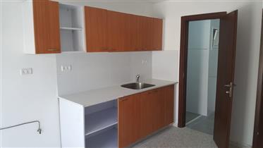 Przestronny, jasny i cichy apartament, 80Sqm, doskonały dla inwestorów, w Jerozolimie
