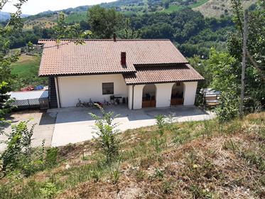Ανεξάρτητο σπίτι στους λόφους