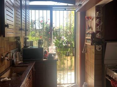 Bel appartement, spacieux, lumineux et calme, 85M², à Jérusalem