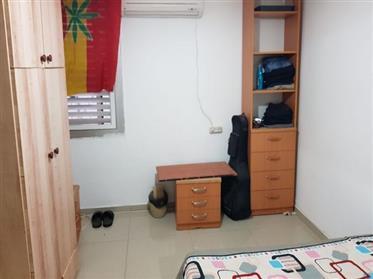 מציאה, דירה נהדרת, 5 דקות מאוניברסיטה, בבאר שבע