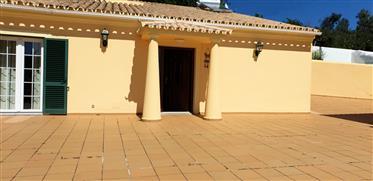 Portugal - Algarve - Faro - Venda de uma propriedade paisagística com uma típica casa algarvia em
