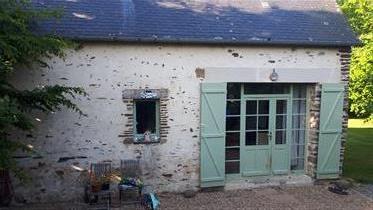 Bella casa di pietra in vendita.