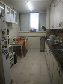 Apartment in Old North tel Aviv- Huge Opportunity