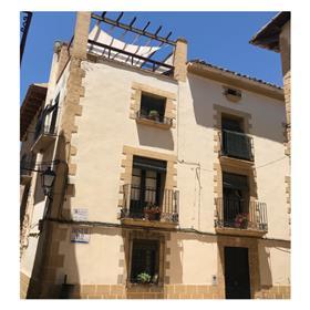 Great house in Mediterranean valley next to Matarraña