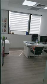 Large and luxurious Office for rent, in Petah Tikva