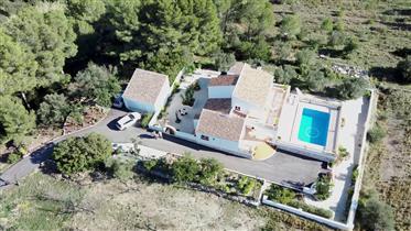 Samostalna vila od 200 m² s dominantnim pogledom od 360 °