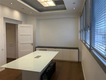 Luxurious Office for sale, 305 Sqm, in Ra'anana