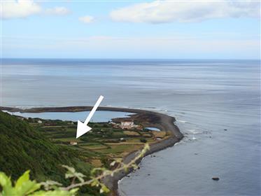 Azoren, São Jorge, Huis in Fajã da Caldeira de Santo Cristo