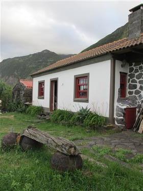 Açores, São Jorge, Casa na Fajã da Caldeira de Santo Cristo
