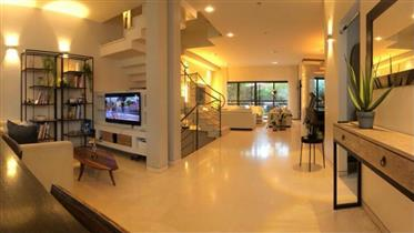 Ohromujúci dom, 300Sqm, renovovaný, v Ness Ziona
