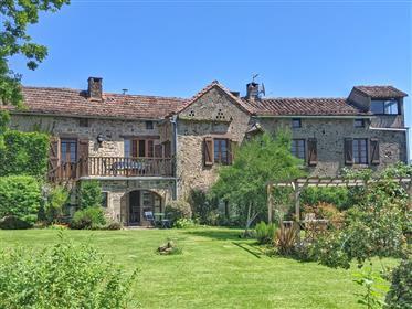 Bella casa colonica in pietra di 400 anni vicino a Cordes-Sur-Ciel con splendida vista elevata sul