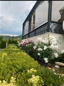Луксозна къща в град Варна