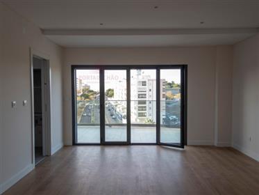 T3 novo   qualidade e vista panorâmica   Condomínio do Parque   Almada