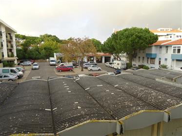T2 no Junqueiro/Parede com 85 m2 e terraço com 19 m2