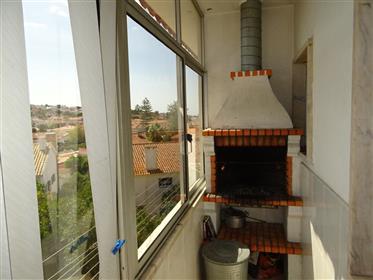 Excelente T3 + 2, Duplex na Parede, Murtal, com 160 m2