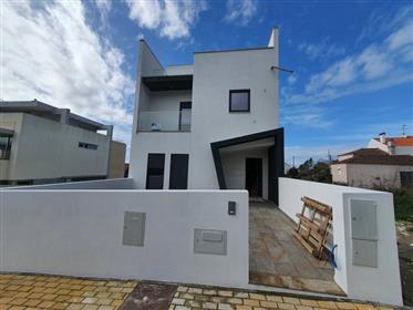 House: 332 m²