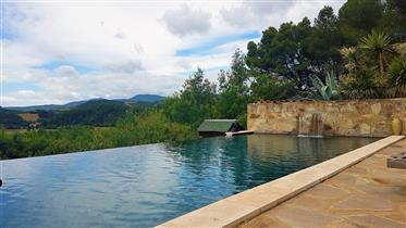 Architect villa on a 1245 m² plot with pool and magnificent ...