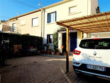 Nice villa with 3 or 4 bedrooms, large veranda and 2 courtyards. Quiet location !