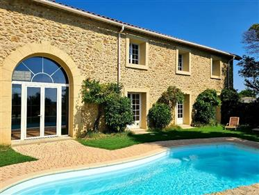 Magnificent stone property with 550 m² of living space on a 950 m² plot with pool and views !