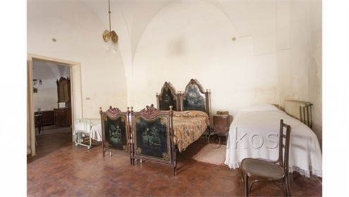 Historic palace for sale in Palmariggi, a small town in the nearby of Otranto, just ten mi