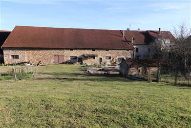 Grande ferme rénovée avec terrain