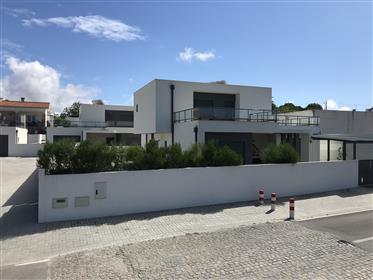 Modernes Haus mit 3 Schlafzimmern in der Nähe von Sao Martinho do Porto