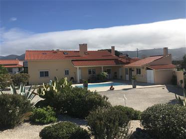 Moradia para venda para 2 familias perto de Alcobaça
