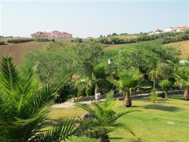 Fantástica moradia inserida numa grande propriedade perto da Praia das Conchas  e de Santa Cruz– Tor