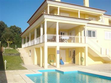 Hervorragende Villa in Caldas da Rainha