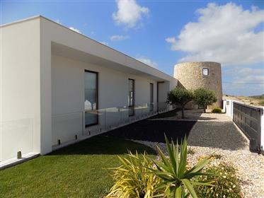 Moderne Villa mit spektakulärem Meerblick