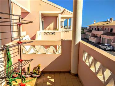 Apartamento T2 em condomínio fechado com piscina e garagem -...