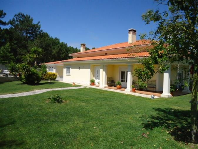 Traditional Portuguese villa in the comfort of the countryside