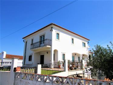 Traditionelles Haus in der Nähe von Caldas da Rainha