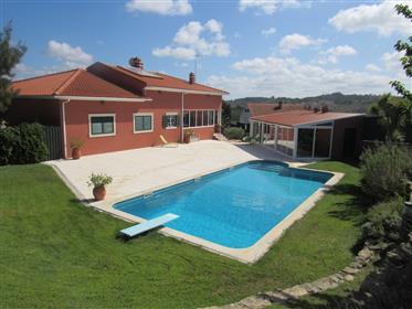 Excellente villa traditionnelle près de Caldas da Rainha