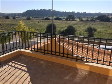 Villa + 1 maison jumelée à Algoz