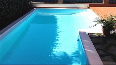 Cortona Pressi casa con piscina