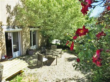 Maison de campagne 170 m2 avec terrasse couverte 30m2, pisci...