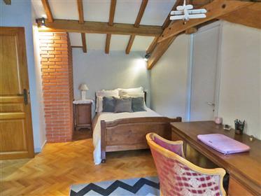 Belle maison avec piscine sur 5 500m2 de terrain  à moins de 15min de Foix et dépendances.