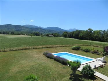 Maison de campagne 146m2 sur 2 500m2 de terrain avec piscine...