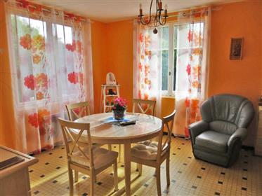 Maison de village 156m2 (2 appartements) avec ateliers et ga...