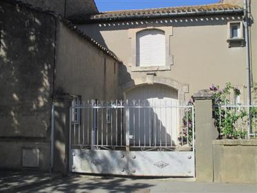 Maison de Maitre 19th century house with Park and garage for sale in Puicheric.