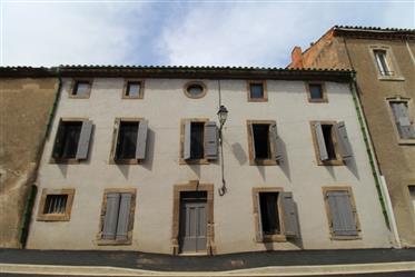 Belle maison avec cour et terrasse