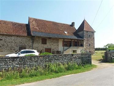 Belle maison en pierre typique