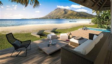 Unique! Splendides Villas Pieds Dans L'Eau Face Au Lagon A Riviere Noire- Ile Maurice