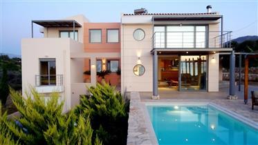 Impressive villa in Gerani